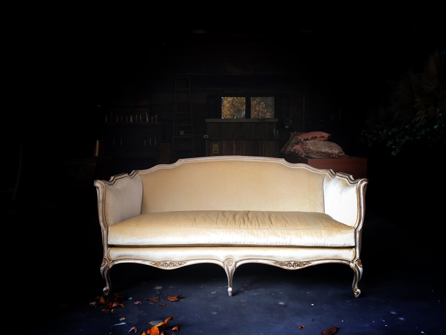 vintage-settee-rental